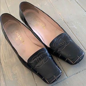 Black Chanel dotted kitten heels Vintage